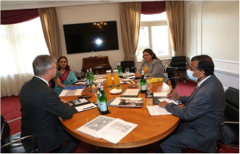 Minister of State for External Affairs and Culture Smt. Meenakashi Lekhi met Mr. Johannes Beltz, Curator at Rietberg Museum on 28 September, 2021